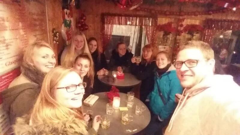Weihnachtsmarkt-giessen-damen1-tsglollar-2015