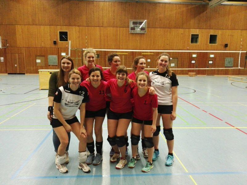 Dame2 Volley Gießen Lollar neue Einspielshirts